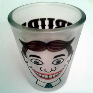 http://tiendastonepony.com/1228-2392-thickbox/vasito-chupito-oficial-gira-magic.jpg