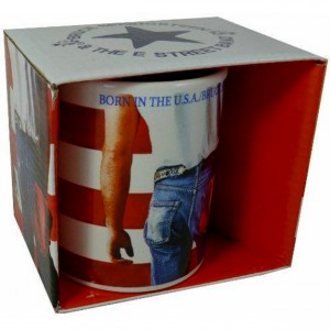 http://tiendastonepony.com/1252-2439-thickbox/30-oferta-taza-oficial-born-in-the-usa-presentada-en-caja.jpg
