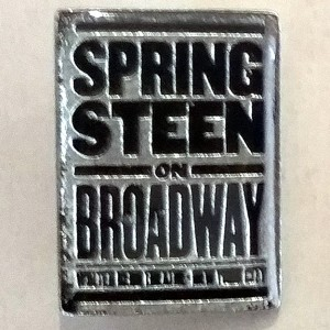 http://tiendastonepony.com/2257-4626-thickbox/pin-metalico-oficial-springsteen-on-broadway.jpg