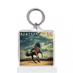http://tiendastonepony.com/2560-5341-thickbox/40-oferta-llavero-portada-western-stars.jpg