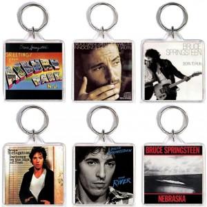 http://tiendastonepony.com/2562-5343-thickbox/oferta-coleccion-42-llaveros-portadas-discos-super-oferta-llavero-letter-to-you-de-regalo.jpg