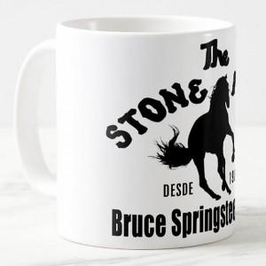 http://tiendastonepony.com/2565-5360-thickbox/50-oferta-taza-the-stone-pony-logo-2020-blanca-con-logo-negro.jpg