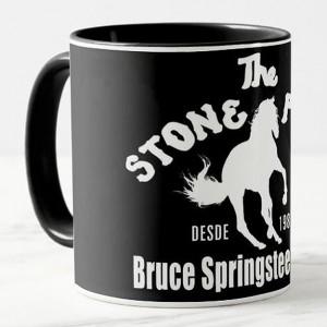 http://tiendastonepony.com/2566-5364-thickbox/50-oferta-taza-the-stone-pony-2020-negra-con-logo-blanco.jpg