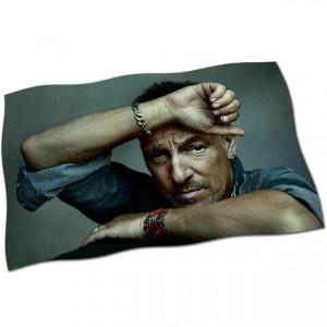 http://tiendastonepony.com/2662-5572-thickbox/20-oferta-bandera-bruce-springsteen-foto-danny-clinch.jpg
