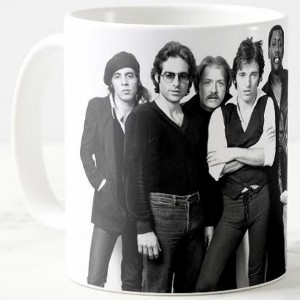 http://tiendastonepony.com/2729-5813-thickbox/50-oferta-taza-the-e-street-band-1978-blanca.jpg