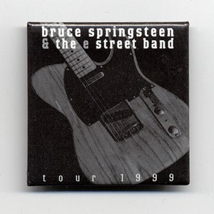 http://tiendastonepony.com/273-thickbox/30-oferta-chapa-oficial-bruce-springsteen-gira-1999.jpg