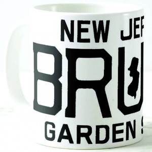 http://tiendastonepony.com/2747-5889-thickbox/50-oferta-taza-new-jersey-bruce-garden-state-blanca-con-textos-en-negro.jpg
