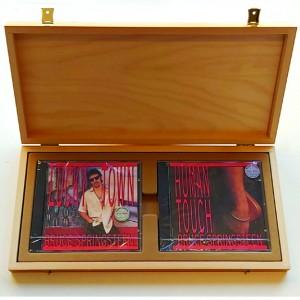 http://tiendastonepony.com/2794-6121-thickbox/caja-de-madera-human-touch-lucky-town-edicion-numerada-1500-unidades.jpg
