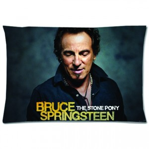 http://tiendastonepony.com/2826-6076-thickbox/35-oferta-funda-almohada-working-on-a-dream-imagen-2009-the-stone-pony-bruce-springsteen.jpg
