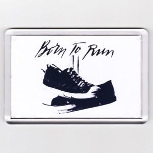 http://tiendastonepony.com/2864-6141-thickbox/50-oferta-magnet-iman-grande-logo-born-to-run-bambas-rectangular-73-x-52-cm.jpg
