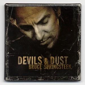 http://tiendastonepony.com/713-thickbox/30-oferta-magnet-oficial-gira-devils-dust.jpg
