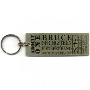 http://tiendastonepony.com/716-thickbox/llavero-bruce-born-in-the-usa.jpg